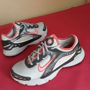 Women's Nike Air Huarache Size 8